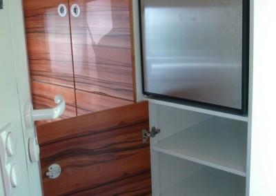 Kühlschrank und Schrank