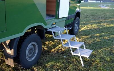 Fernreisemobil mit SAT-Anlage und Seilwinde