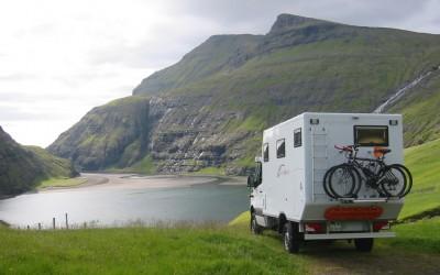 Island mit 4x4 Fahrzeug Impala