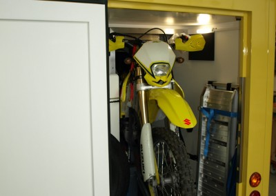 Motorrad-Heckgarage im Expeditionsaufbau