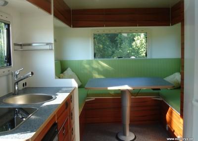 Exklusiver Innenausbau im Wohnmobil (1)