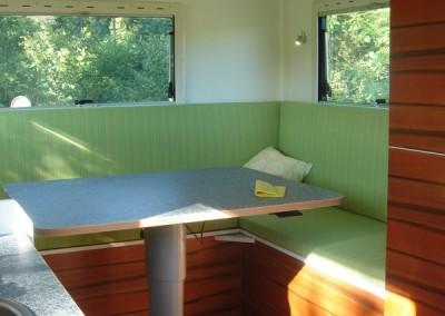 Exklusiver Innenausbau im Wohnmobil (12)