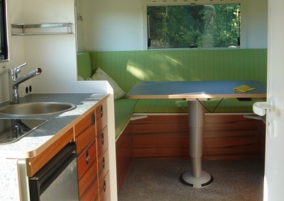 Exklusiver Innenausbau im Wohnmobil (13)