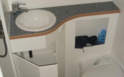 Exklusiver Innenausbau im Wohnmobil (16)