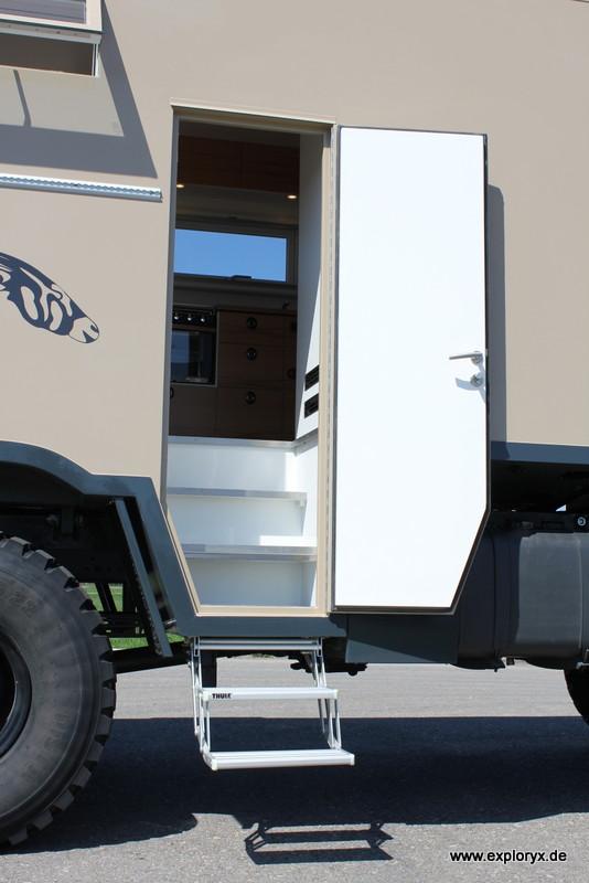 expeditionsmobil mercedes benz axor bilder von exploryx. Black Bedroom Furniture Sets. Home Design Ideas