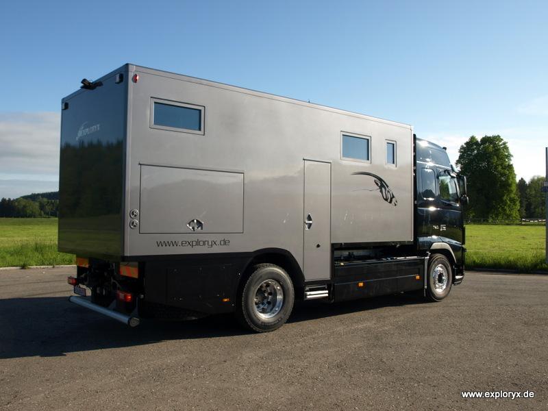 Der Volvo FH 16 als Expeditions- und Promotionmobil