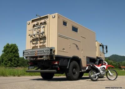 1: Das Motorrad soll am Wohnmobil angebracht werden