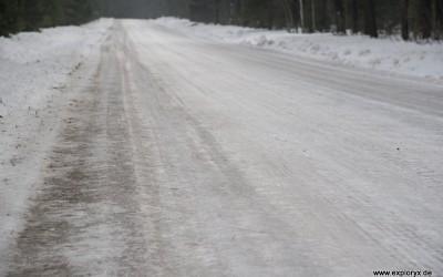Eisglatte Straßen im Baltikum