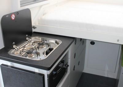 Hochwertige Küchenausstattung im Wohnmobil