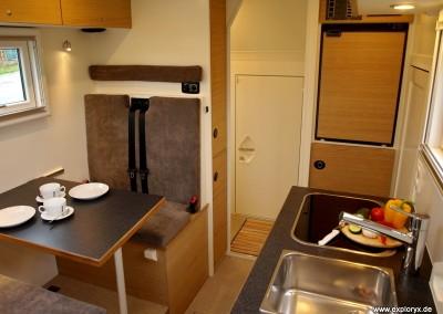 Praktisch eingerichtetes Wohnmobil
