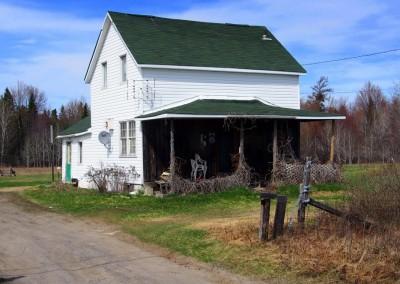Überraschend viele Häuser unterwegs stehen zum Verkauf