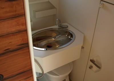 Raffiniertes Waschbecken im Wohnmobil