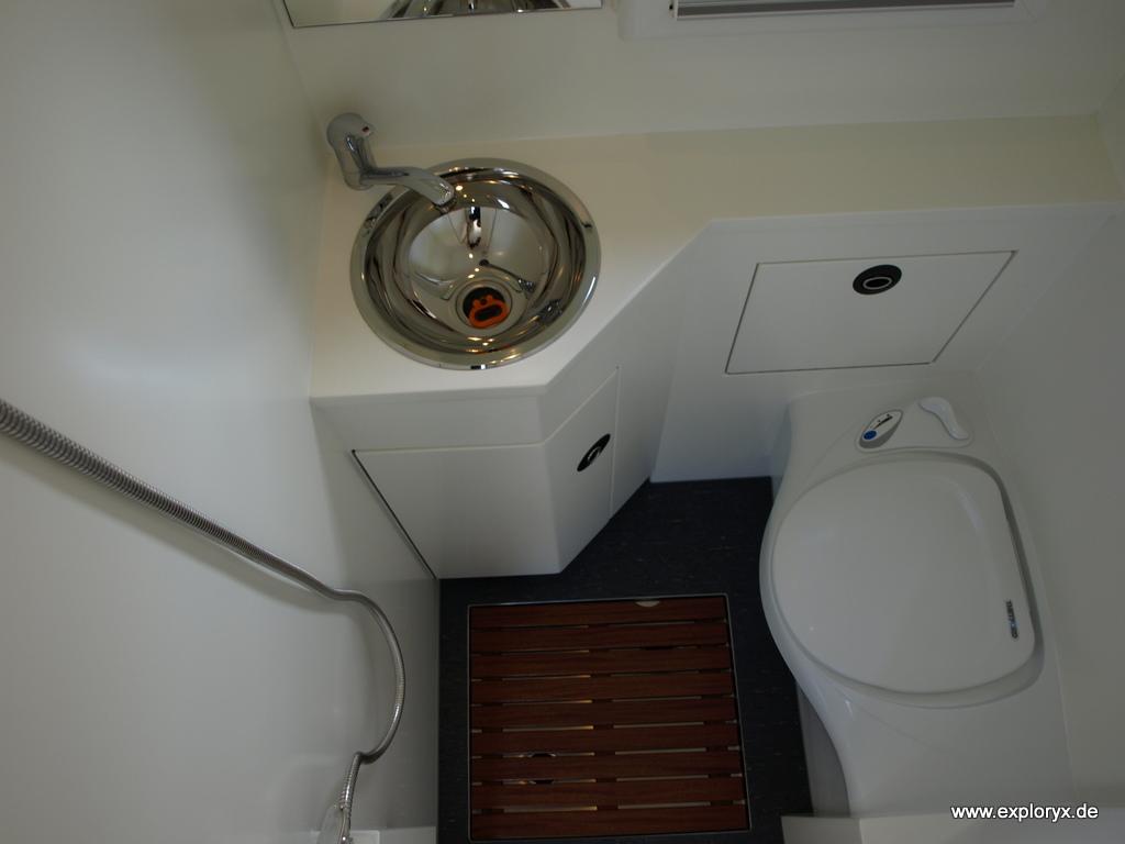 was ist eine toilette toilettenh he wie hoch sollte eine toilette sein toilette entsorgen wie. Black Bedroom Furniture Sets. Home Design Ideas