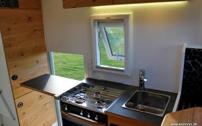 Individuelle Küche mit Gasherd