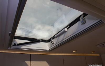 Dachfenster im Expeditionsfahrzeug