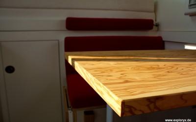 Olivenholz-Tisch